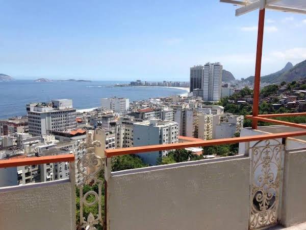 Abraço Carioca Favela Hostel