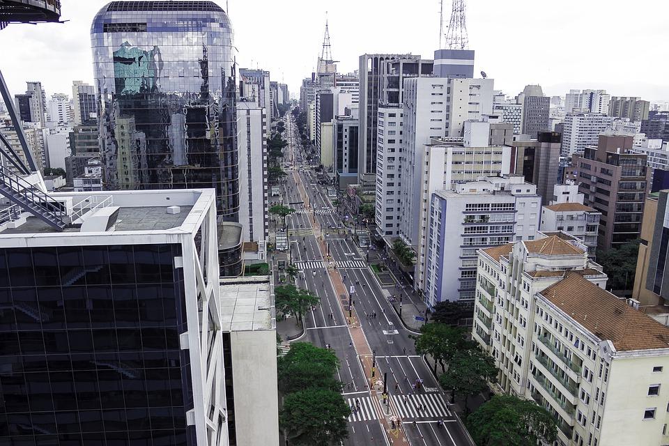 Avenida Paulista deserta. Foto: Rádio Tupi