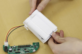 Photo: 電池ボックスのフタを閉めてみましょう。