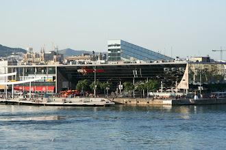 Photo: Barcelonan uusi merellinen kauppakeskus (kauppakeskuksena melko olematon, mutta alueena kiva)