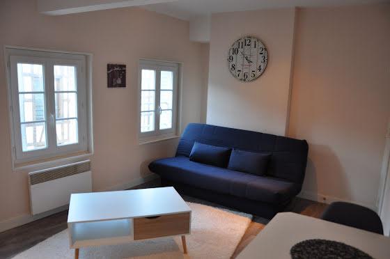 Location studio meublé 23,88 m2