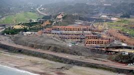 La gran macenas,  en la costa de Mojácar, en el momento  en el que inició su construcción a partir de 2006, por la promotora Med Group.