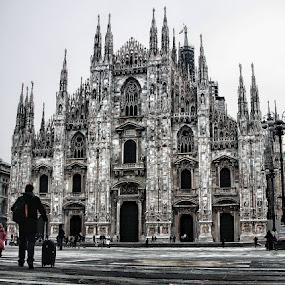 CATEDRAL DE MILAN... by Luis Orchevecs Ferenczi - Buildings & Architecture Public & Historical