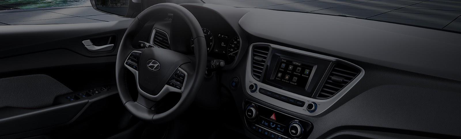 Với màn hình Cluster LCD 3,5 inch, bạn có thể theo dõi các thông số vận hành, tình trạng cũng như cài đặt các chức năng của xe.