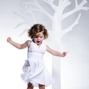 by Alessandro Baglioni - Babies & Children Children Candids