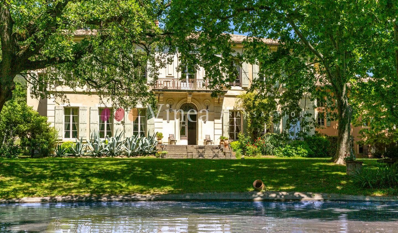 Vignoble avec piscine et dépendances Avignon
