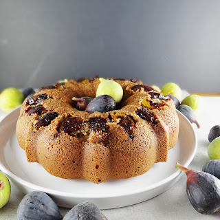 Figgy Sour Cream Coffee Cake