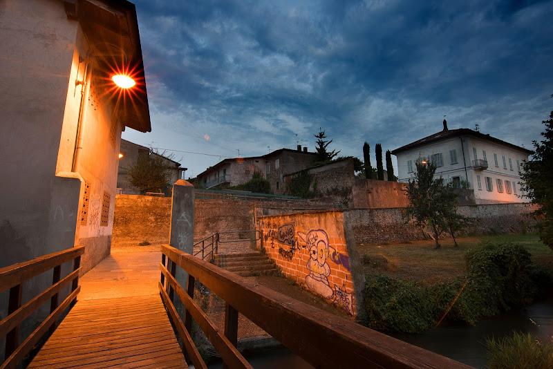 Via Costiola con  Villa Tomasini sulo sfondo. di Cperso