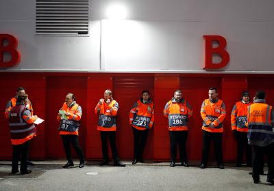 Les stewards de Liverpool proposent leur aide aux supermarchés