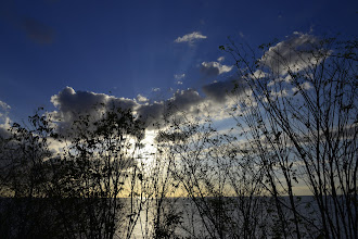 Photo: Petite variante de coucher de soleil avec autre chose que des palmiers.
