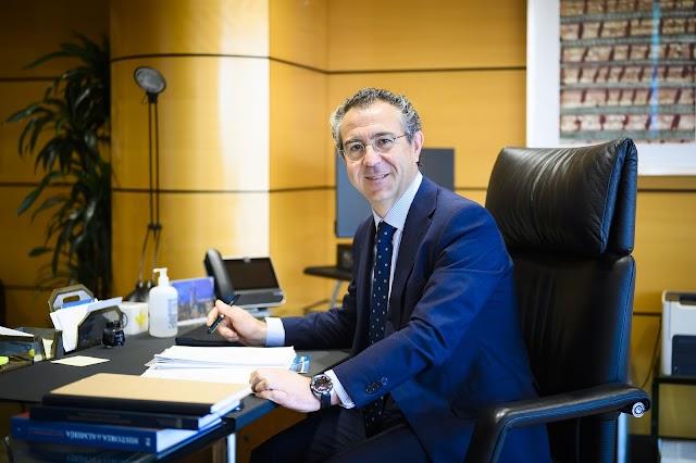Eduardo Baamonde posa para el fotógrafo Juan Sánchez tras la conversación con La Voz.