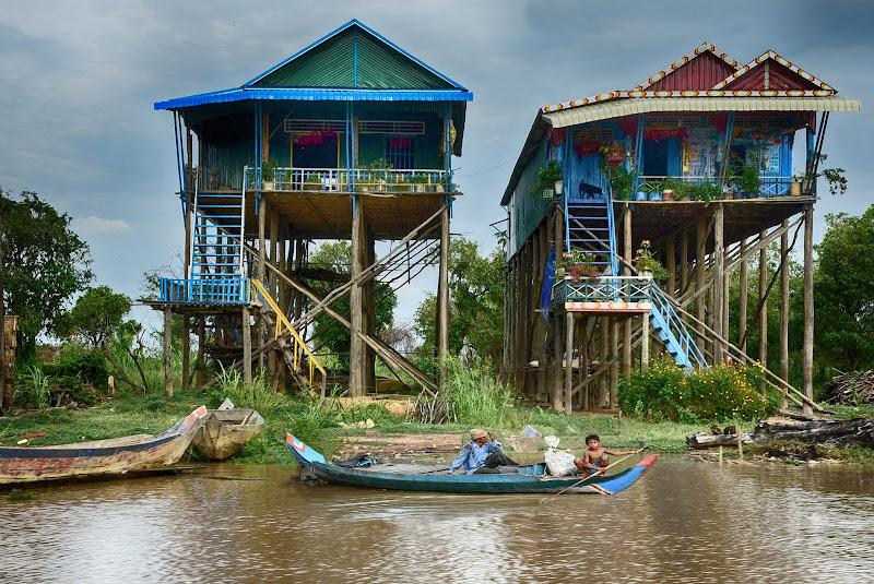 Altissime palafitte in Cambogia di BASTET-Clara