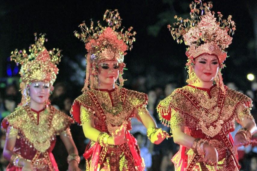 Tarian Adat Sumatera Selatan Wonderful South Sumatera