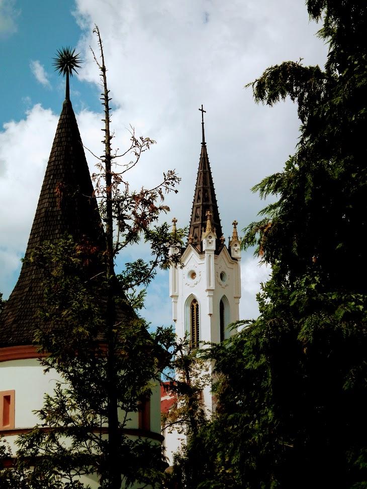 Veszprém - Regina Mundi Világ királyője rk. templom