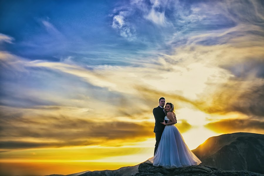 Wedding photographer Alexandru Vîlceanu (alexandruvilcea). Photo of 10.04.2019