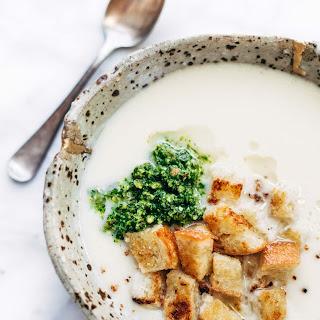 5 Ingredient Cheesy Cauliflower Soup