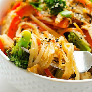 Spicy Chicken & Veggie Noodle Bowl.