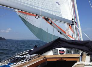 """Photo: 7 solmua """"lasissa"""" (vene kulkee kyllä 8 solmuakin, mutta sitä emme saaneet kuvattua)"""