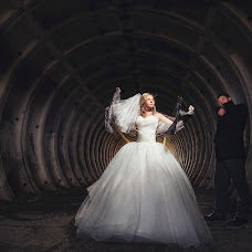 Wedding photographer Evgeniya Kuzmich (Kuzmich). Photo of 14.02.2015