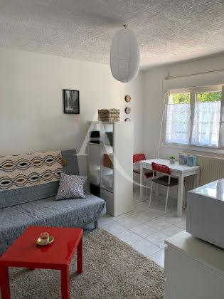 Location studio meublé 18,66 m2