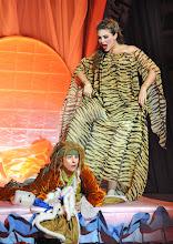 Photo: WIEN/ VOLKSOPER: MADAME POMPADOUR von Leo Fall. Inszenierung: Hinrich Horstkotte. Premiere am 8.6.2012. Boris Pfeifer, Annette Dasch. Foto: Barbara Zeininger