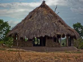 Photo: Mozambican hut / Mozambická chatrč