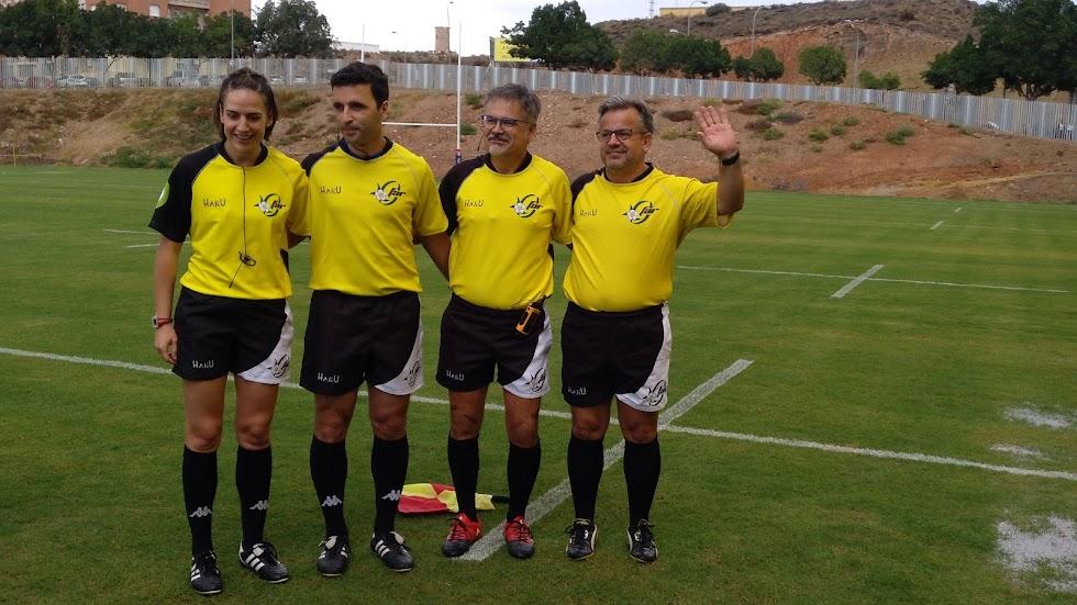 Los árbitros.