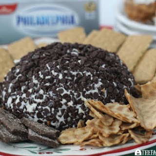 Cannoli Cheeseball
