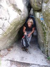 Photo: Viviane dans un passage sympa du sentier Denecourt