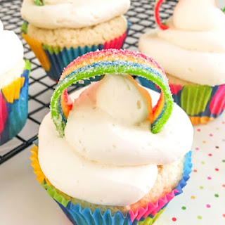 Shining Somewhere Over The Rainbow Cupcakes
