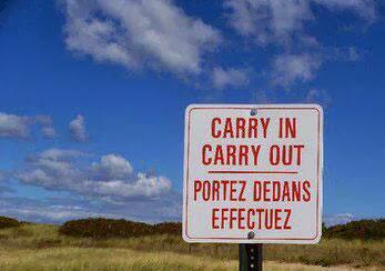 Photo: Les panneaux indicateurs sont censés faciliter notre circulation. Encore faut-il qu'ils soient bien traduits !