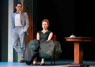Photo: Wien/ Theater in der Josefstadt: DER GOCKEL von Georges Feydeau. Inszenierung: Josef E. Köpplinger. Premiere 19.11.2015. Dominc Oley, Pauline Knof. Copyright: Barbara Zeininger