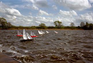 Photo: Zeilen met C2 in een stevige bries, Sörup 2003.