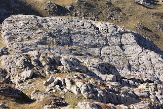 Photo: Une autre partie de l'oucane : un plateau calcaire fracturé par les eaux de fonte glaciaire et érodé par le passage des glaces.