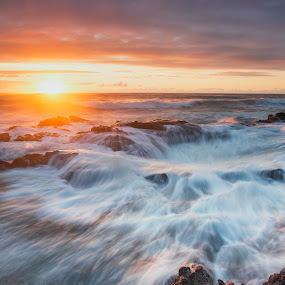 Thor's Well Beauty by Zach Blackwood - Landscapes Sunsets & Sunrises ( oregon, waves, sunset, cape perpetua, ocean, thor's well, coast )