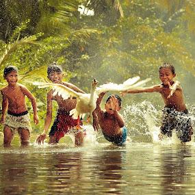 by Ricky Rap - Babies & Children Children Candids ( kids in the summer, kids playing in summer )