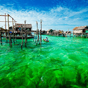Sea Gypsy Houses at Omadal Island by Mdnoh Mnj - Landscapes Travel