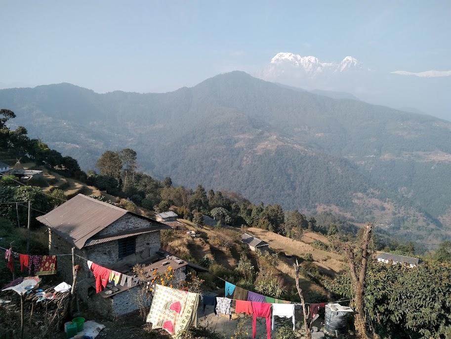 山の上の村