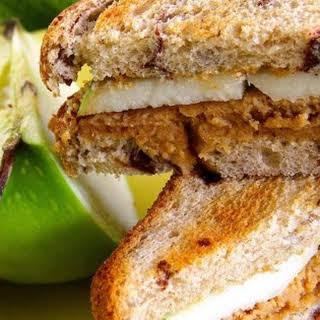 Sweet 'n Creamy Peanut Butter Apple Sandwich.