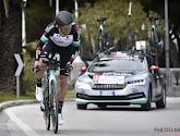 Renner van Team BikeExchange verschijnt niet meer aan de start in de Dauphiné: 135 renners beginnen aan de koninginnenetappe