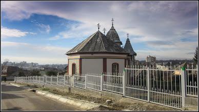 "Photo: Str. Sirenei, Nr.17 - Biserica ""Dintre Romani"", vedere de pe Str. Nicolae Vladutiu - 2017.12.11"