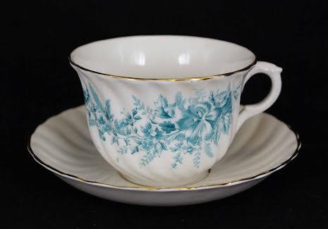 fler föremål Tekopp med fat blomdekor blågrön