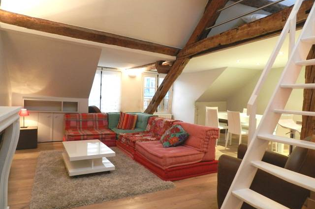 Cosy living area in Luxury 4 Bedroom Apartment Near Montorgueil