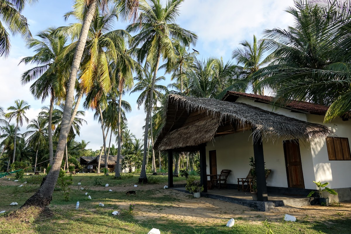 Sri. Lanka Kalpitiya Valampuri Resort. The 2-room chalet