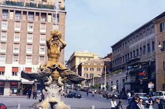 Photo: #009-Fontaine del Tritone sur la Piazza Barberini.