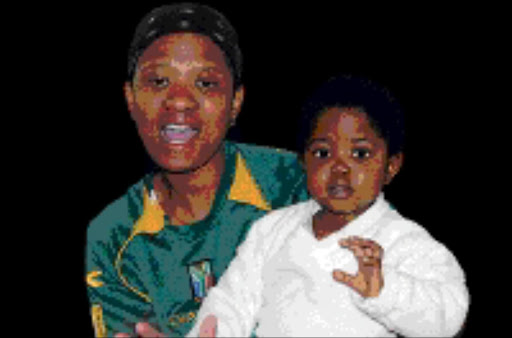 DESPERATE: Madikane and her daughter Thandile, who needs to undergo a liver transplant. Pic. Peter Mogaki. 21/08/08. © Sowetan.