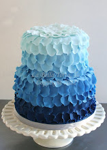 Photo: blue ombre by La Bella Torta (2/27/2012)  View cake details here: http://cakesdecor.com/cakes/8185