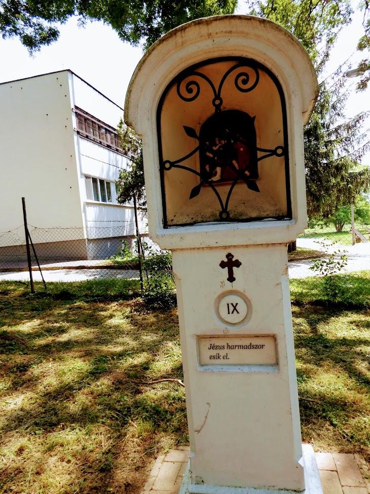 Kaposvár - Toponári kálváriakápolna a keresztúttal