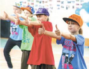 Зажигательный танец юных гимнасток ДЮСШ №1