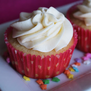 Vanilla Cupcakes with Vanilla Buttercream Frosting